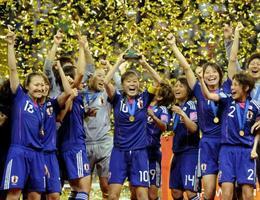 2011年、サッカー女子W杯ドイツ大会で優勝した日本代表「なでしこジャパン」=フランクフルト(共同)