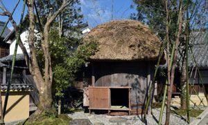 華道展に合わせて設置された茶室=美馬市脇町のうだつの町並み