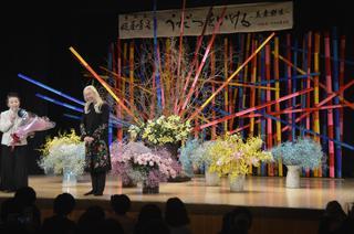 假屋崎さん華道展 1月13日徳島・美馬市で開幕