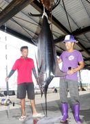 大物カジキ釣り上げた! 徳島・阿南の伊島沖で体長3…