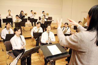 富岡西高校(徳島・阿南市)吹奏楽部、甲子園版の校歌を録音