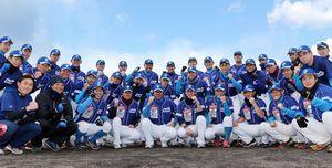 リーグ3連覇と2年連続の独立リーグ日本一へ向け、闘志を見せる徳島の選手たち