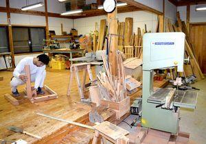 雨の日だけ開かれる木工所「モッキー」=那賀町大戸
