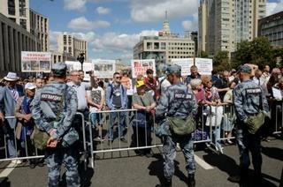 ロシアで言論の自由求め集会