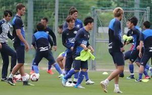 岡山戦を控え練習するヴォルティスの選手=徳島スポーツヴォレッジ