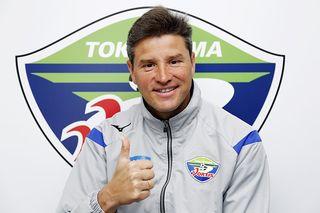徳島ヴォルティス ロドリゲス監督の素顔に迫る「選手の成長をサポート」