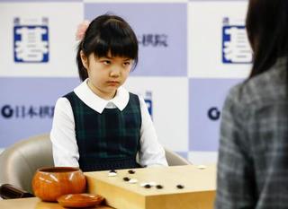 囲碁仲邑菫さん世界トップに敗北