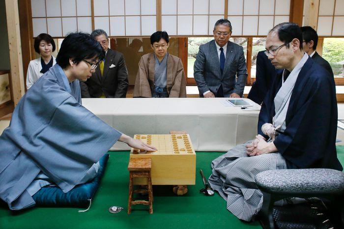 王位戦第5局、徳島市で始まる|徳島の話題|徳島ニュース|徳島新聞