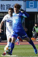 後半8分、徳島の河田㊨が先制ゴールを決める=鳴門ポカリスエットスタジアム
