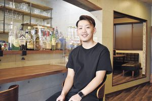 「店をオープンさせるきっかけを与えてくれた母には感謝ですね」と松本さん。最近、コーヒーソムリエの資格を取得した。