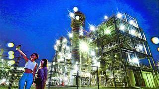【連載ここで撮ろうよ 5】工場の夜景(広島県大竹市) 迫力と美しさ間近に