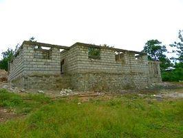 建設中のリハビリセンター=ケニア・ティカ(松下さん提供)