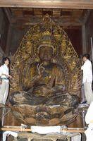 修復を終え、再び安置された聖観音坐像=徳島市の丈六寺