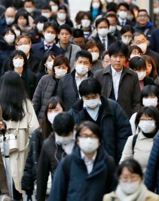 新型肺炎、国内感染者千人超え