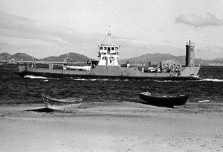 出港する県営鳴門フェリー(1955年)
