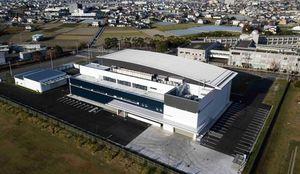 県北総局が3階に入る徳島新聞新印刷センター=北島町高房