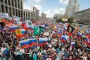 モスクワ中心部で大規模抗議集会