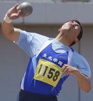 男子砲丸投げで日本高校歴代2位の16メートル48をマークした生光学園高の幸長=鳴門ポカリスエットスタジアム