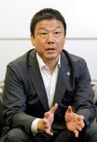 インタビューに応じる大戸屋ホールディングスの窪田健一社長