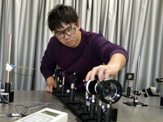平成生まれ新たな時代を担う<4> 光センサーの研究に励む 高島祐介さん(28) 自分信じ挑戦の日々