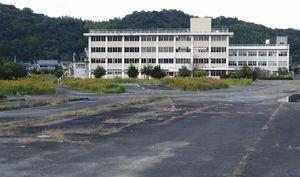 近くの医療法人に売却されることになった旧運転免許センター=徳島市大原町余慶