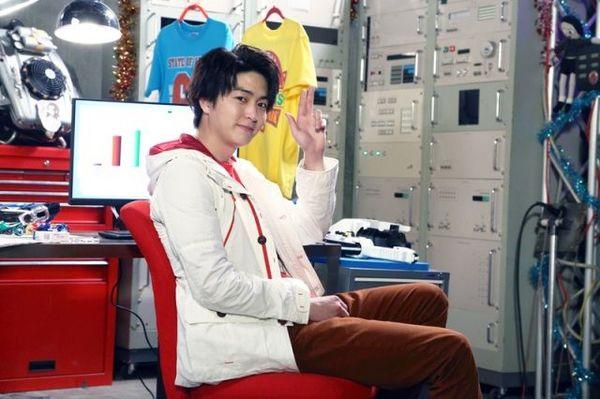 『仮面ライダーブレン』にサプライズ出演した稲葉友 (C)東映特撮ファンクラブ (C)石森プロ・テレビ朝日・ADK・東映