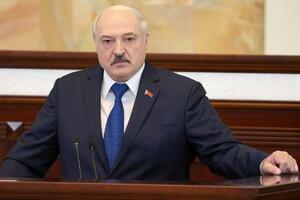 議会で演説するベラルーシのルカシェンコ大統領=5月、ミンスク(タス=共同)