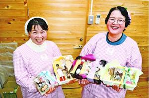 美郷産のスイーツが楽しめる「バレンタインセット」=吉野川市の美郷物産館