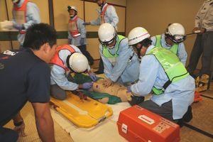 心肺停止になった患者への応急処置などを確認した救急技術指導会=徳島市消防局