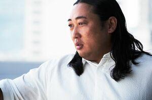 これまで6年に渡って、70人以上のクリエイターを演じてきた秋山竜次