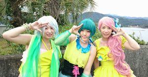 海陽町の魅力発信を続けるうみぱるのメンバー。左から鈴ケ峰まーやさん、母川ほたるさん、大砂みうさん(あいのっく提供)