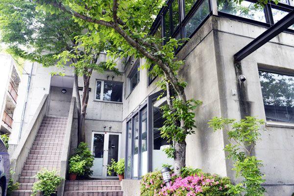3月末で休校した平成調理師専門学校=徳島市伊賀町2