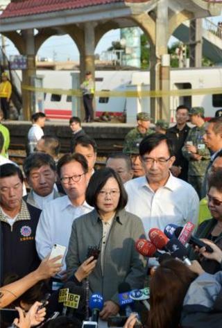 台湾、事故前に車体トラブルか