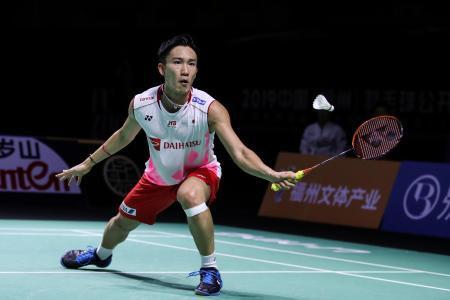 バドミントンの福州中国オープン、準決勝でデンマーク選手と対戦する桃田賢斗=9日、福州(ゲッティ=共同)