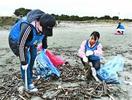 元鳴門市ALTを追悼 小松海岸で清掃活動 四国大留…