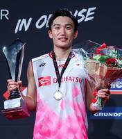 デンマーク・オープンの男子シングルスで2連覇を果たした桃田賢斗=オーデンセ(ゲッティ=共同)