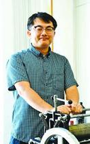 阿波和紙会館の版画展で大賞 鈴木良治さん(徳島市)…
