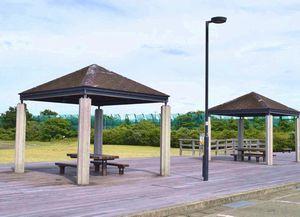 7月から土、日曜限定でバーベキューができるようになった徳島小松島港のJAあいさい緑地親水広場=小松島市和田島町松田新田