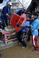 今年1月に大山寺で開かれた力餅大会=上板町神宅