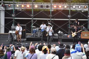 昨年開催されたエキサイティング・サマー・イン・ワジキのステージの様子=那賀町の大塚製薬徳島ワジキ工場野外ステージ