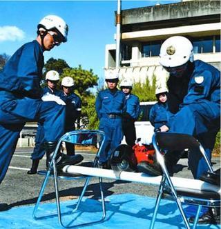 災害用資機材 使い方を確認 阿波吉野川署員