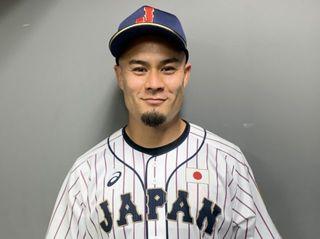 ラグビー日本代表・田村優が始球式に初トライ「100点です」 侍ジャパンを応援