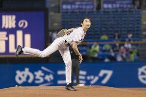 『東京ヤクルトスワローズVS中日ドラゴンズ』戦で初の始球式に挑戦した池江璃花子選手