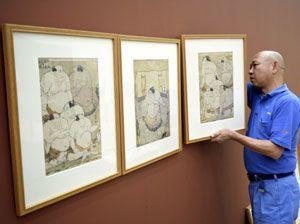開幕を控え、展示準備が進む浮世絵展「写楽・歌麿とその時代」=あわぎんホール