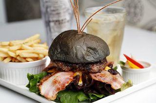美味しさ爆発、爆弾型の映えバーガー BomBom Burger(徳島市)【連載お店ファイル】