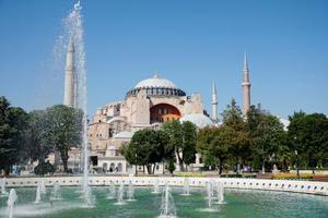 トルコの世界遺産イスタンブール歴史地区を代表するアヤソフィア=1日(共同)