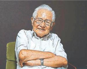 「映画をみよう会」の30年間を振り返る篠原さん=阿南市中林町吉ケ内の自宅