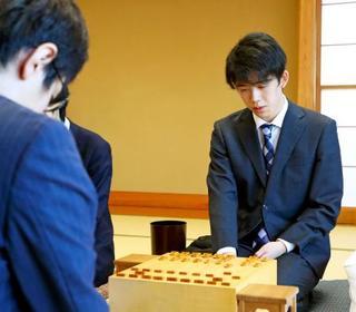 将棋の藤井、最年少挑戦なるか