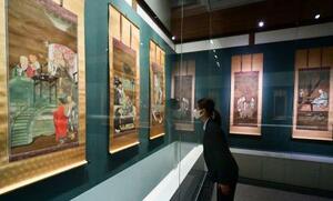 相国寺承天閣美術館の展覧会で公開される「十六羅漢図」=29日、京都市