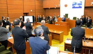 村長と同日選へ議会解散、茨城